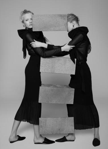 Sasha Luss & Daria Strokous